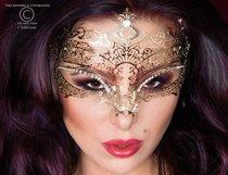 Фигурная золотистая маска Mysterious Mask, цвет золотой - Chilirose