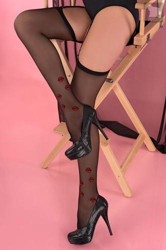 Пикантные чулочки Crimson Lipstick с аппликациями в форме алых губ, цвет черный, 4 - Livia Corsetti
