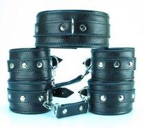 Набор БДСМ-аксессуаров из гладкой кожи: ошейник, наручники и оковы, цвет черный - БДСМ арсенал