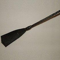 Витой короткий стек с кожаным наконечником в форме хлопушки - 70 см, цвет черный - Подиум